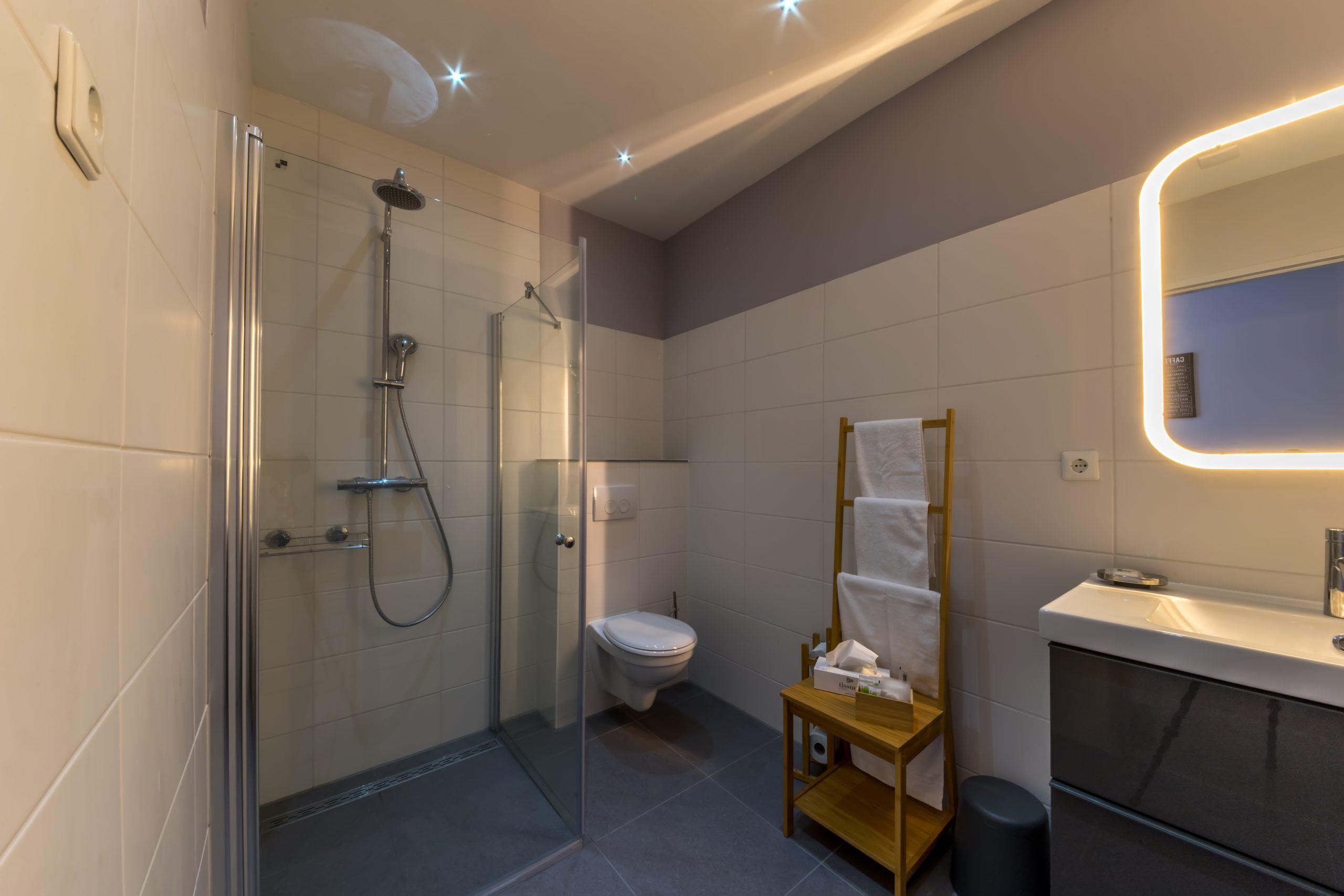 Badkamer-Bathroom-bathzimmer-Jacob-van-Ruisdael-Relaxed-Slapen
